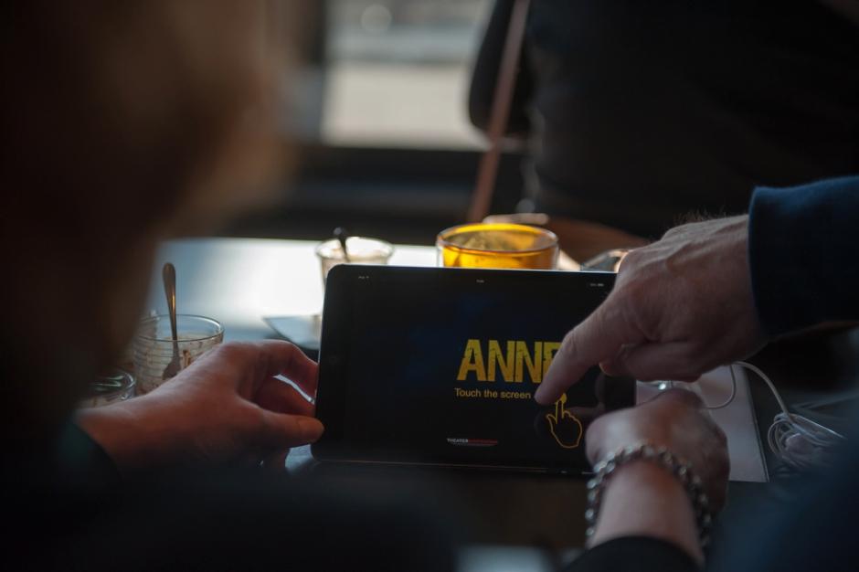 Het taalsysteem van de voorstelling Anne in Theater Amsterdam