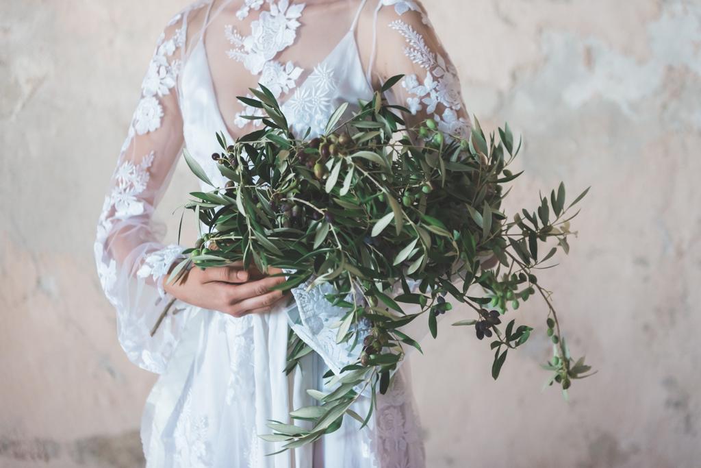 Bruidsboeket van olijftakken